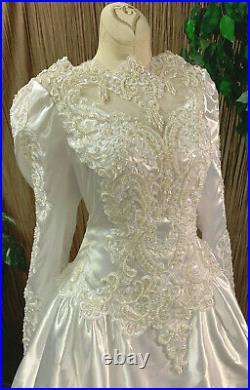 Stunning White Satin Long Sleeve Wedding Dress Bridal Gown & Veil Size Large